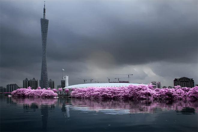 Guangzhou Tower by Bram BoG